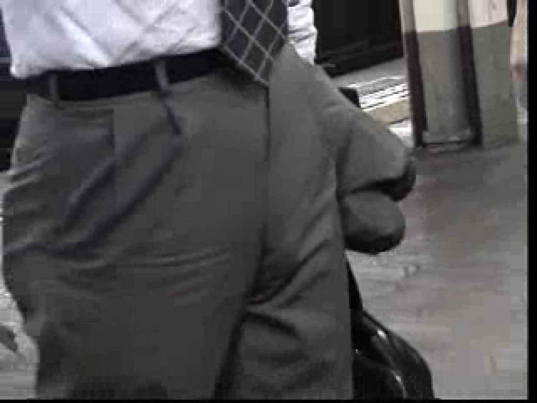 電車内でリーマンの股間撮影 イメージ(エロ) ゲイエロ画像 90枚 73