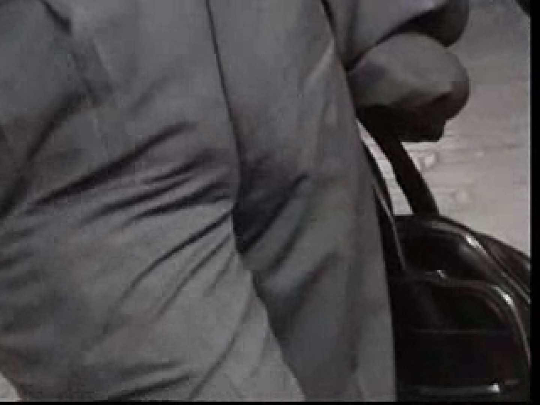 電車内でリーマンの股間撮影 イメージ(エロ) ゲイエロ画像 90枚 75