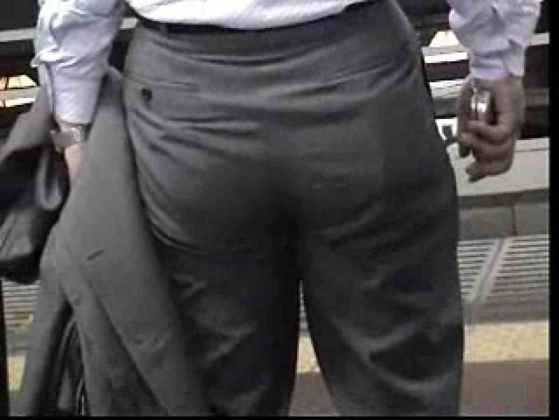 電車内でリーマンの股間撮影 イメージ(エロ) ゲイエロ画像 90枚 82