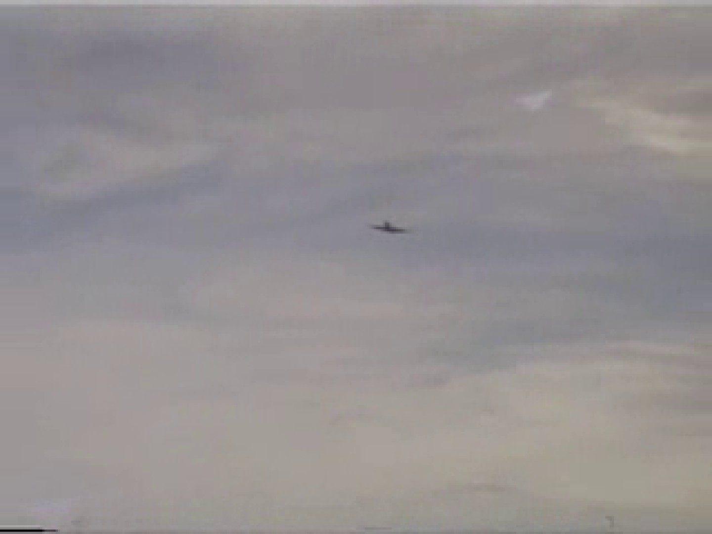 晴天の青空の下、空き地でSEX! アナル責め ゲイ発射もろ画像 89枚 3