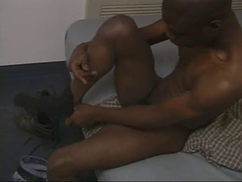 黒人さんカップルのお部屋を拝見!すると・・・
